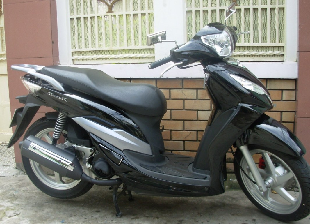 SYM SHARK - 125cc Automatic Scooter - Luxury Cruiser -- VND1,700,000/month ($80) for long-term rental